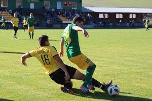 Pribiš (v zelenom) vyhral ťažký zápas v Zubrohlave.