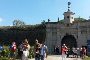 O pevnosť sa zaujíma čorz viac turistov.
