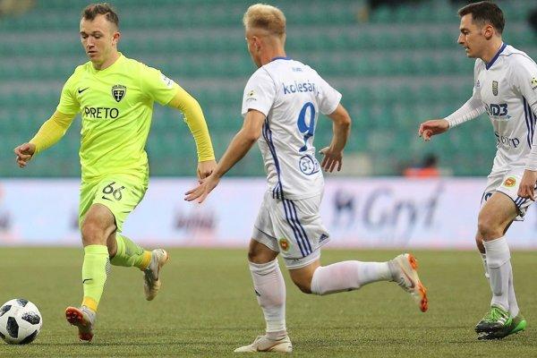 Jeden z dvoch gólov Michaloviec v Žiline vsietil Jozef-Šimon Turík (vpravo).