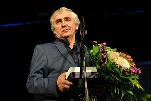 Cenu za Ondreja Ivana - in memoriam prebral jeho syn Branislav.