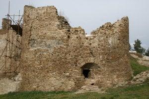 Bašta hradu Plaveč.