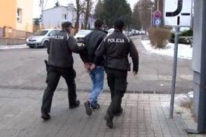 Mladíka chytili policajti ešte vdecembri.
