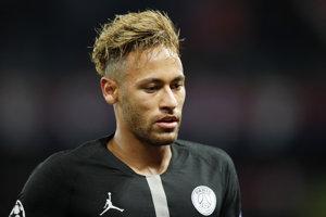 Neymar v zápase Ligy majstrov proti SSC Neapol.