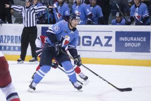 Hokejista Slovana Rudolf Červený na snímke zo sobotňajšieho zápasu proti Jaroslavľu.