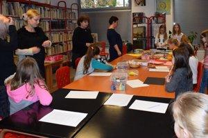Deti si vyskúšali svoje tvorivé schopnosti imimo výtvarný ateliér našej školy.