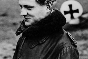 "Nemecké letecké eso Manfred von Richthofen známy aj pod prezývkou ""Červený barón""."