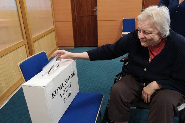 Väčšina zo seniorov za svoj život nevynechala žiadne voľby.