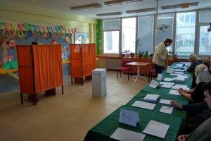 Na Bôriku chodili ľudia hlasovať už od skorého dopoludnia.