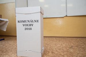 18d6e0d28892 Na hornej Nitre je priebeh sobotňajších volieb do orgánov samosprávy obcí  zatiaľ pokojný a bez problémov.10. nov 2018