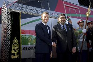 Marocký kráľ Muhammad VI. a francúzsky prezident Emmanuel Macron.