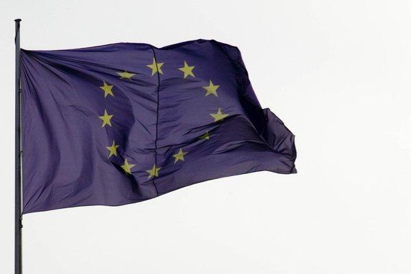 Vlajka EÚ.