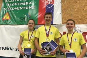 Traja úspešní reprezentanti TJ Slávia TU Zvolen. Zľava: Lea Výbochová, Andrej Antoška, Rochard Pavlík.