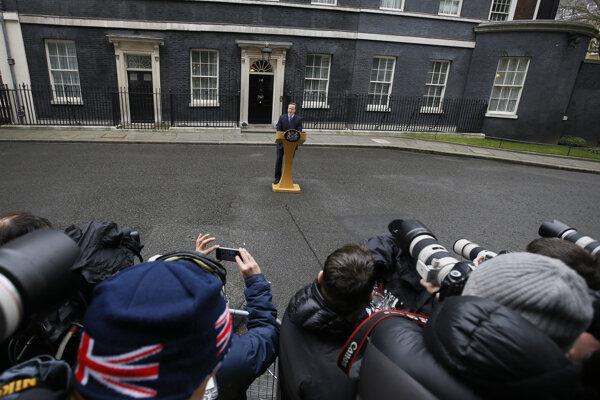 Postavia sa Briti v referende za svojho premiéra?