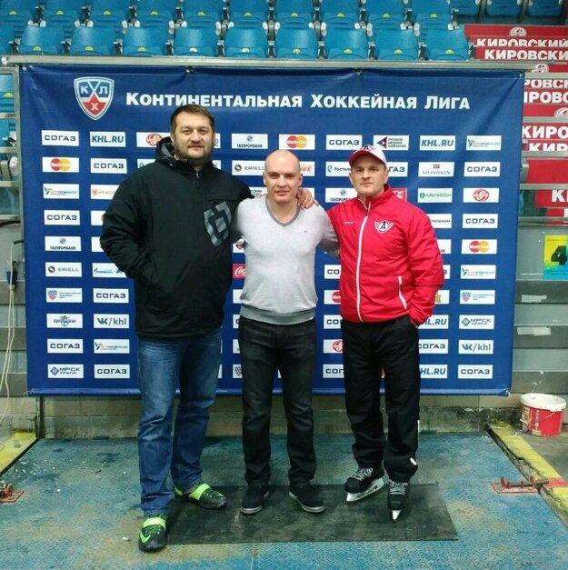 Ľuboš Gál (vľavo) a Marcel Ozimák (vpravo) pochádzajú z Ivanky pri Nitre.
