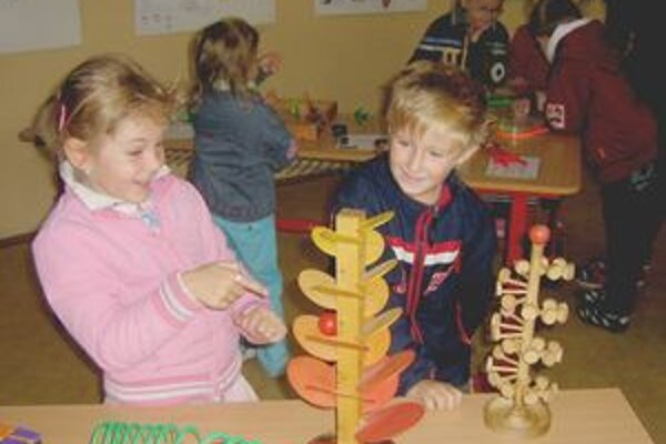 Vedecké hračky zaujali každého.