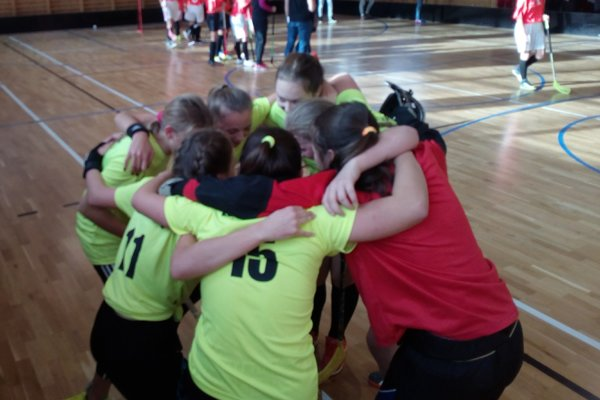 Takto sa dievčatá zo Svrčinovca radovali po víťazstve v turnaji.