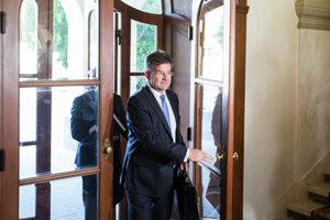 16. august 2017. Lajčák prichádza na rokovanie vlády.