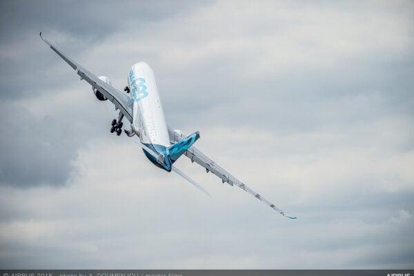 Airbus A330-900.