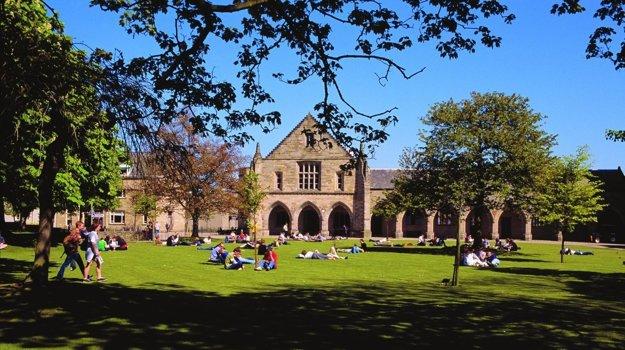 Takto vyzerá univerzitný kampus.