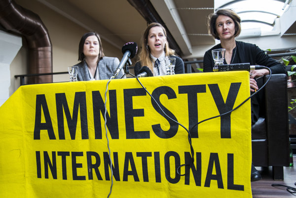Tlačová konferencia s prezentáciou Výročnej správy neziskovej mimovládnej organizácie Amnesty International o stave ľudských práv za rok 2015.