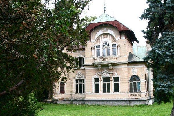 Stodolovu vilu chcel predchádzajúci majiteľ zbúrať. Zachránila ju zmena majiteľa a zaradenie do zoznamu národných kultúrnych pamiatok v roku 2010.