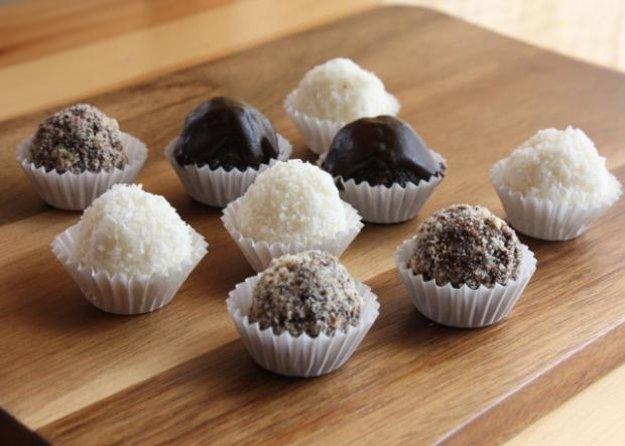 Kokosovo-makové guličky s čokoládou