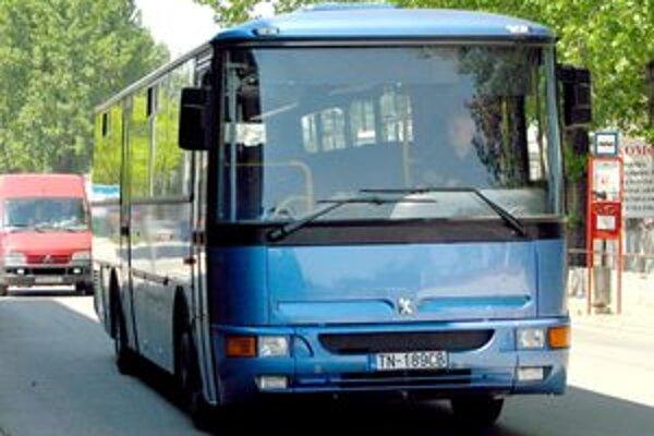 Od roku 2004 sa v SAD- kách vymenilo 75 percent vozového parku. V súčasnosti je priemerný vek autobusov 3,6 roka.