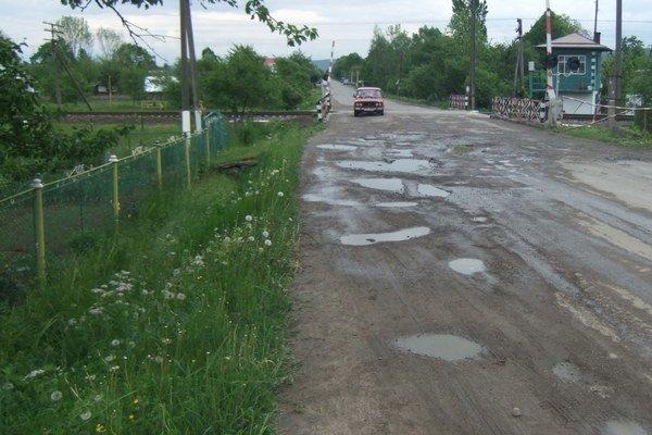 Keby sa Ukrajinci pustili do opráv zničených ciest a regulovania riek, mali by o prácu postarané na tridsať rokov.