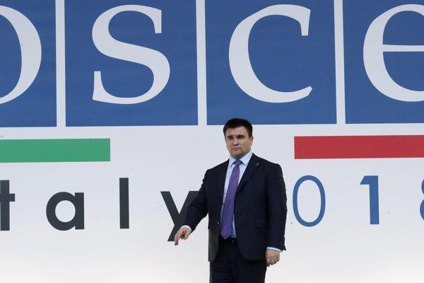 Ukrajinský minister zahraničných vecí Pavlo Klimkin prichádza na výročné zasadnutie Ministerskej rady Organizácie pre bezpečnosť a spoluprácu v Európe (OBSE) 6. decembra 2018 v Miláne.