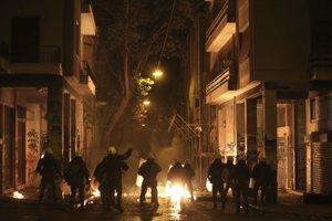 Nepokoje v centre Atén v noci na piatok.