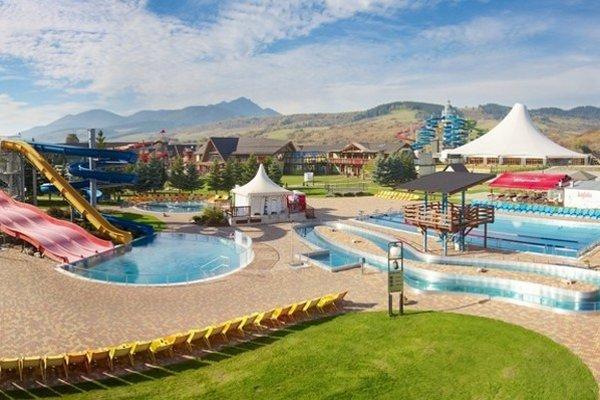Skupina TMR vlastní neďaleký akvapark Tatralandia v Liptovskom Mikuláši a využíva jeho synergiu so svojimi horskými strediskami vo Vysokých aj Nízkych Tatrách.