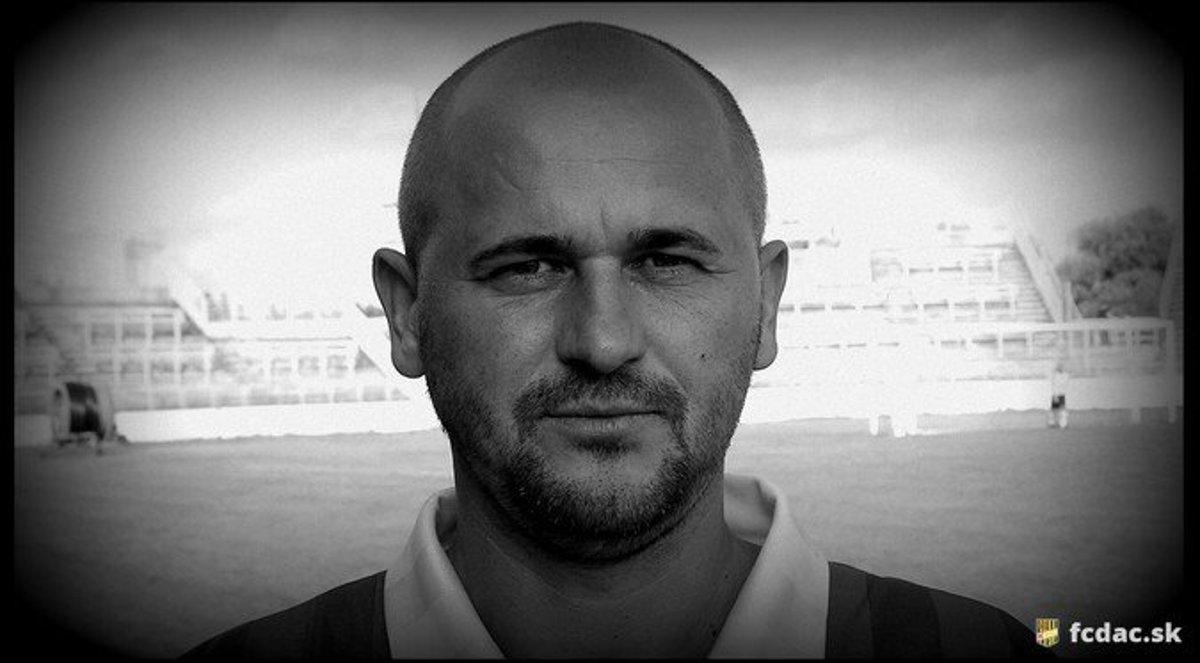 Vo veku 54 rokov zomrel futbalista Stanislav Lieskovský - sport.sme.sk 96bbe809699