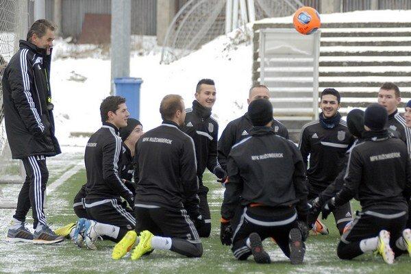 Futbalisti pokračujú v zimnej príprave.