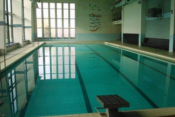 Okrem prevádzky plavárne zabezpečoval oddiel aj základný plavecký výcvik pre základné školy  z mesta  a okolia. Predseda oddielu to považuje za prioritu  chodu plavárne