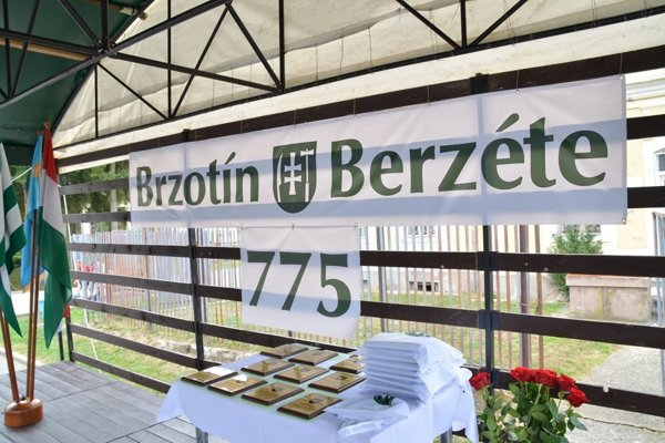 V Brzotíne stále neúraduje novozvolený starosta.
