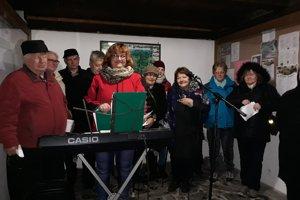 Koledy si zaspievali aj v Podhorí.