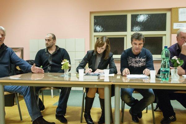 Zo zasadnutia Valného zhromaždenia FC Nitra, a.s. 5. novembra 2012 v Nitre. Na snímke hlavní akcionári zľava Egon Arvay, Norbert Bödör, Jiří Magyar a Marian Valenta.