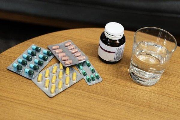 Pri užívaní antibiotík a iných liekov sa môžu objaviť interakcie.