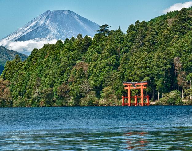 Pohľad na horu Fudži z jazera Hakone
