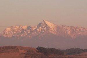 Kriváň dlho považovali za najvyšší vrchol Tatier. V porovnaní s ostatnými tatranskými štítmi je však podľa nadmorskej výšky až na 18. mieste.