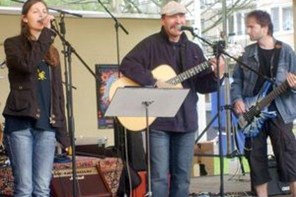 Festival otvorila domáca skupina z Dubnice, Oremus.