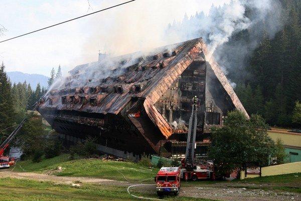 Lukratívny hotel Junior Jasná v Demänovskej Doline počas veľkého požiaru.