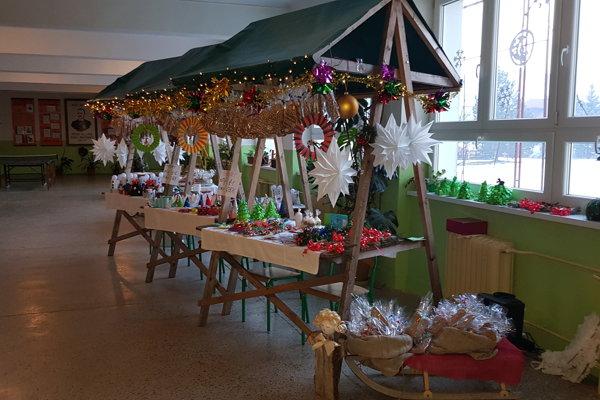 Vianočný jarmok v polomskej škole. ZDROJ: ARCHÍV AG