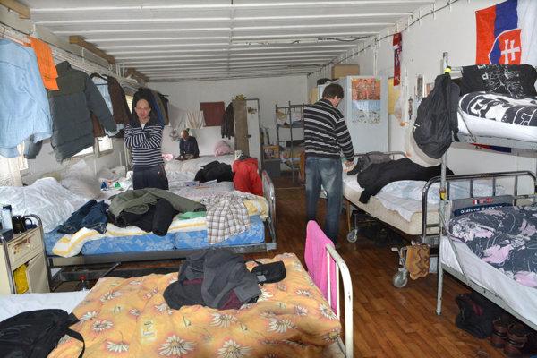 Charita poskytuje aj prístrešie pre ľudí v núdzi.