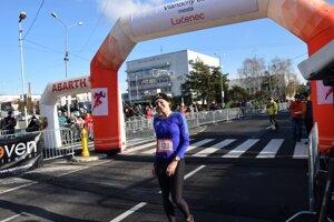 Víťazka medzi ženami v behu na 20 km.