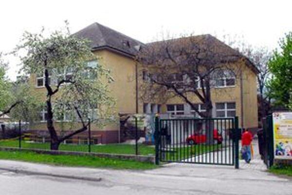 Medzi rekonštruovanými školami bude aj Základná umelecká škola I. W. Kráľa.