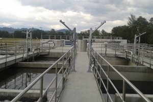 Odpadovú vodu z Liptovských Sliačov bude čistiť už existujúca ale zmodernizovaná čistiareň v Liptovskej Teplej. Dosiaľ čistila nielen vody domácich, ale aj zo susednej Bešeňovej.