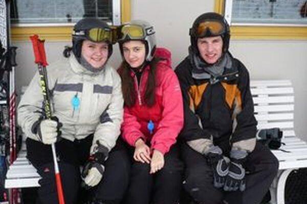 Voľné chvíle trávili na lyžovačke.