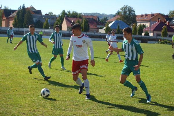 Predrag Radovanovič je s 10 gólmi tretím najlepším strelcom tretej ligy východ.