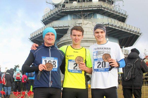 Traja najlepší v hlavne mužskej kategórii - zľava Imrich Magyar, Peter Ursíny a Pavol Žáčik.